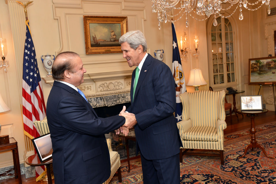 Secretary Kerry Greets Pakistani Prime Minister Sharif