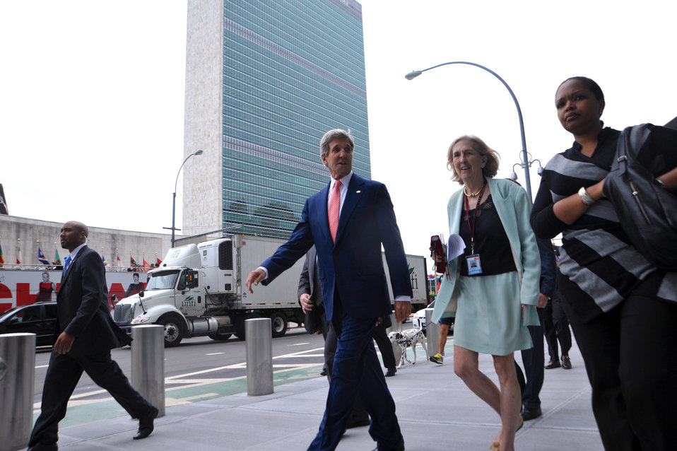 Secretary Kerry and His Sister Peggy Walk to the U.S. Mission to the UN