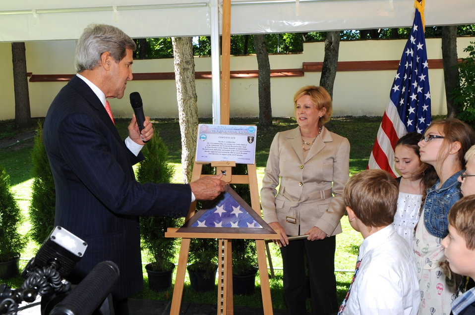 Secretary Kerry Unveils Flag that Flew Over Lithuanian PRT in Afghanistan