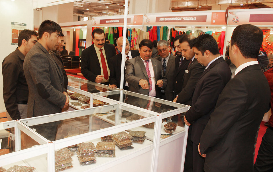 Afghan officials visit Afghan booth
