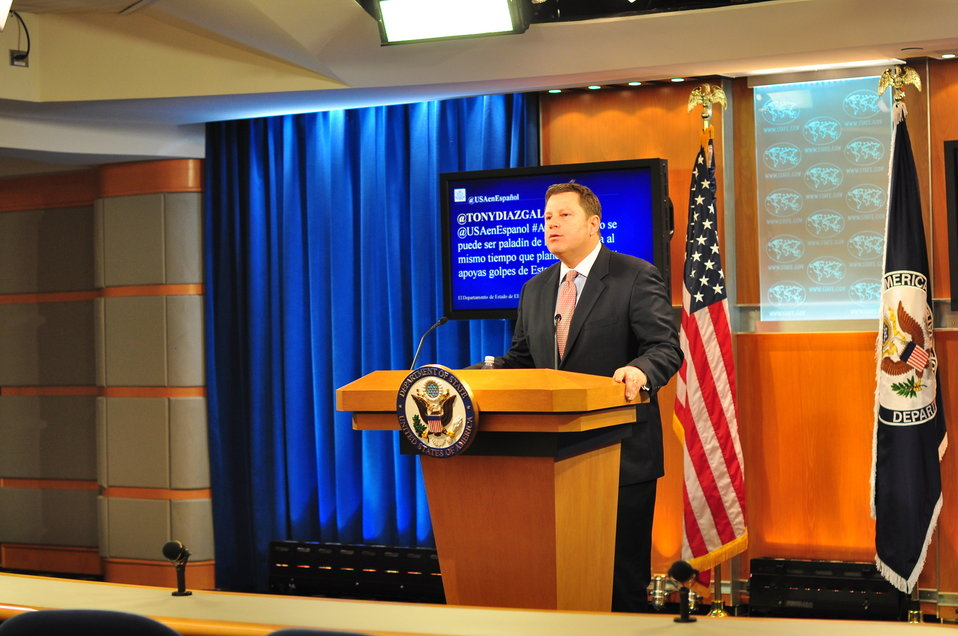 Acting Assistant Secretary Hammer Responds to #AskState Questions in Spanish