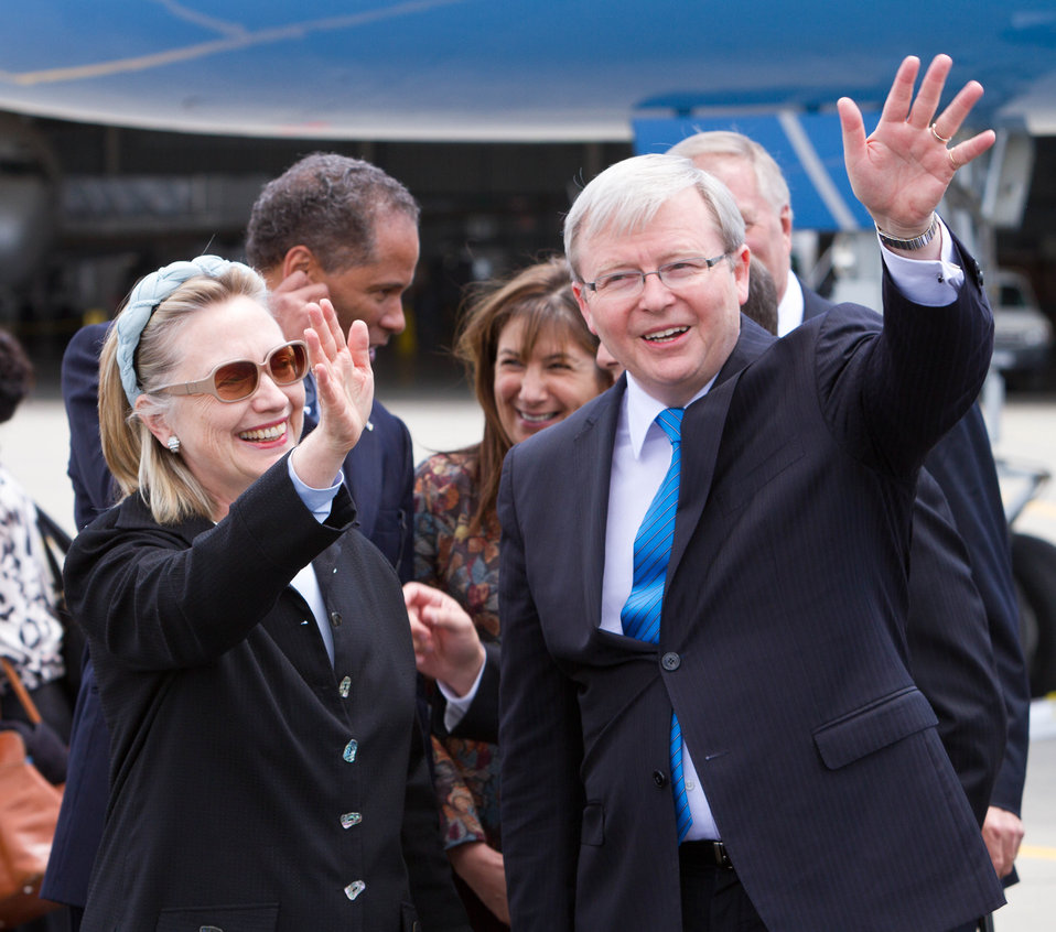 Secretary Clinton and Australian Foreign Minister Rudd Wave