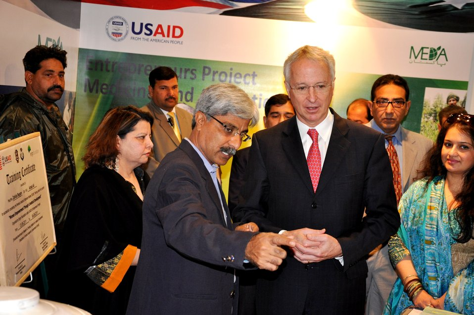 US Ambassador Cameron Munter at the Entrepreneurs project stall
