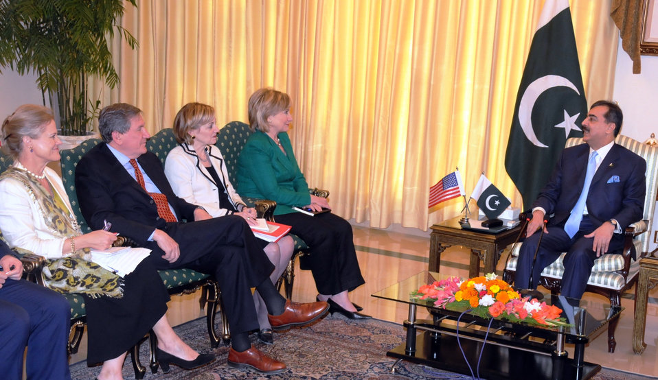 Secretary Clinton Meets With Pakistani Prime Minister