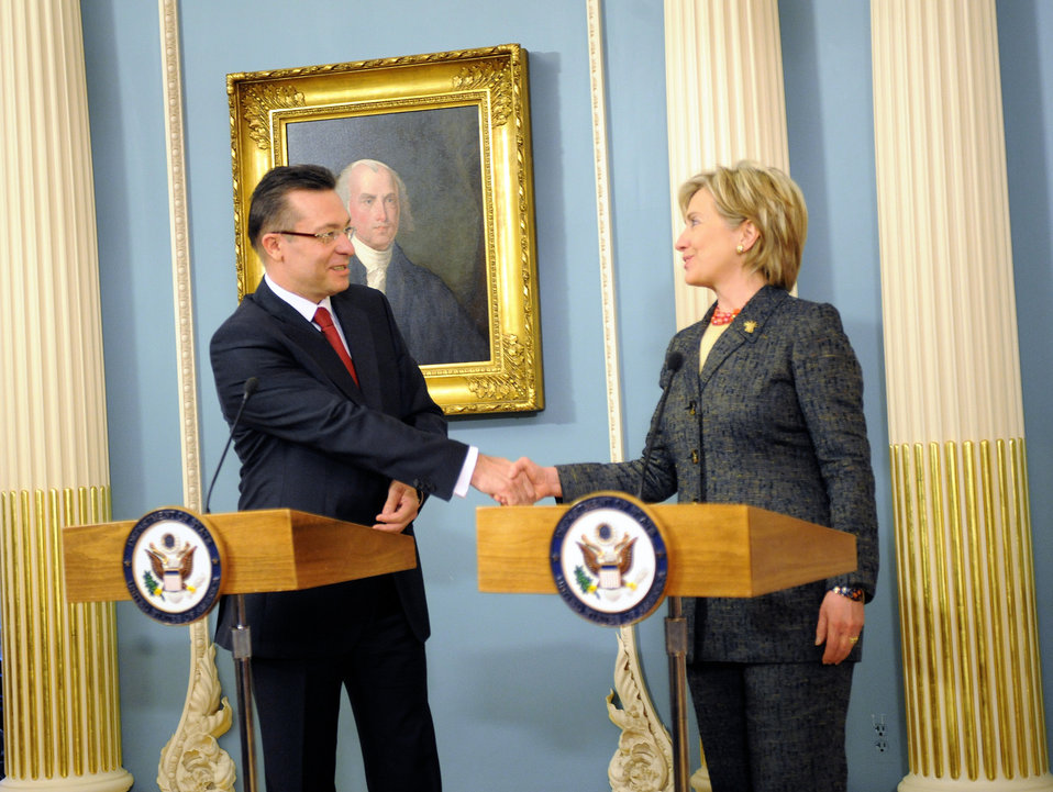 Secretary Clinton and Romanian Foreign Minister Sign Agreements