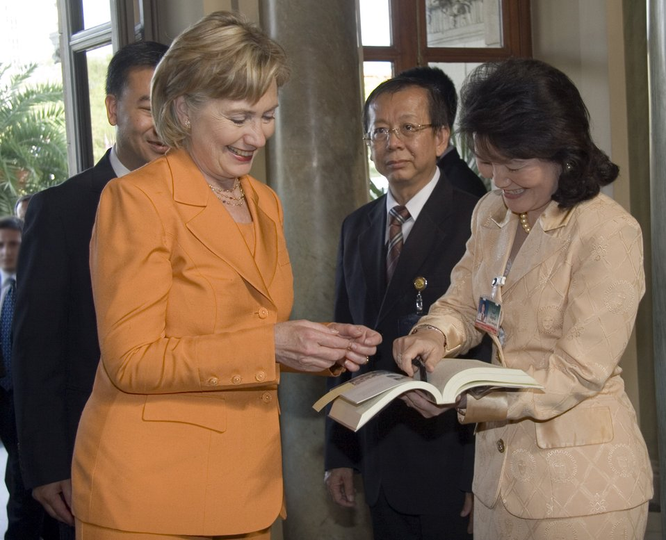 Secretary Clinton at Government House in Bangkok