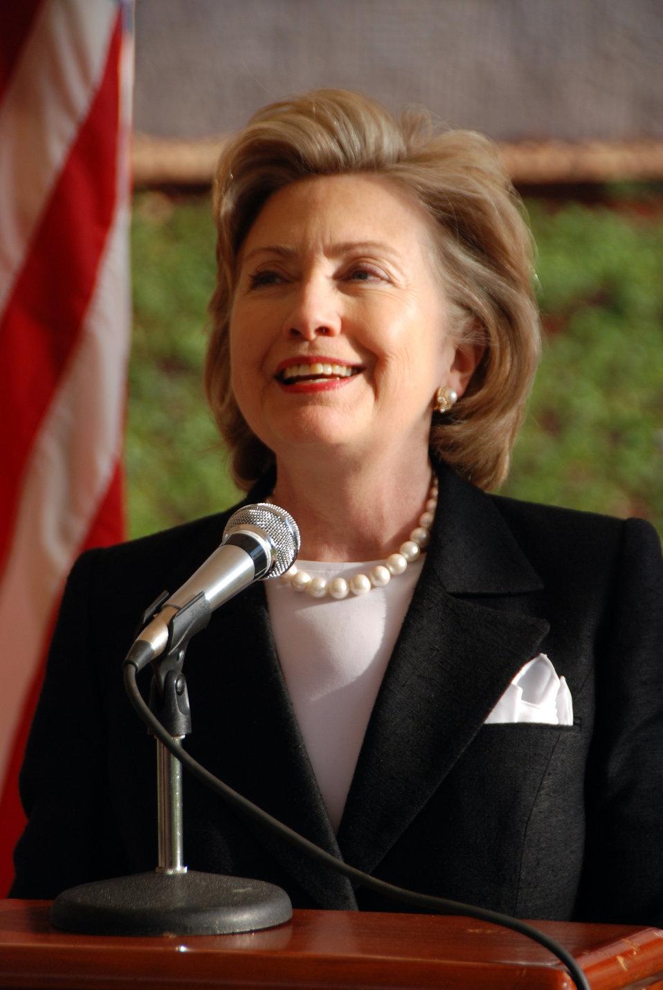 Secretary Clinton Addresses U.S. Embassy Staff in Kenya