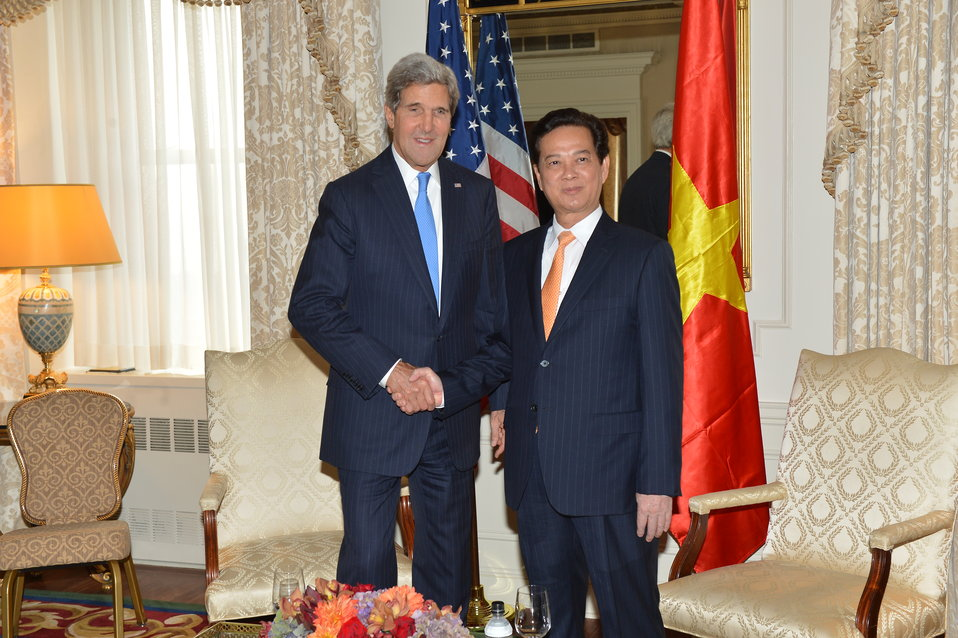 Secretary Kerry Meets With Vietnamese Prime Minister Nguyen Tan Dung