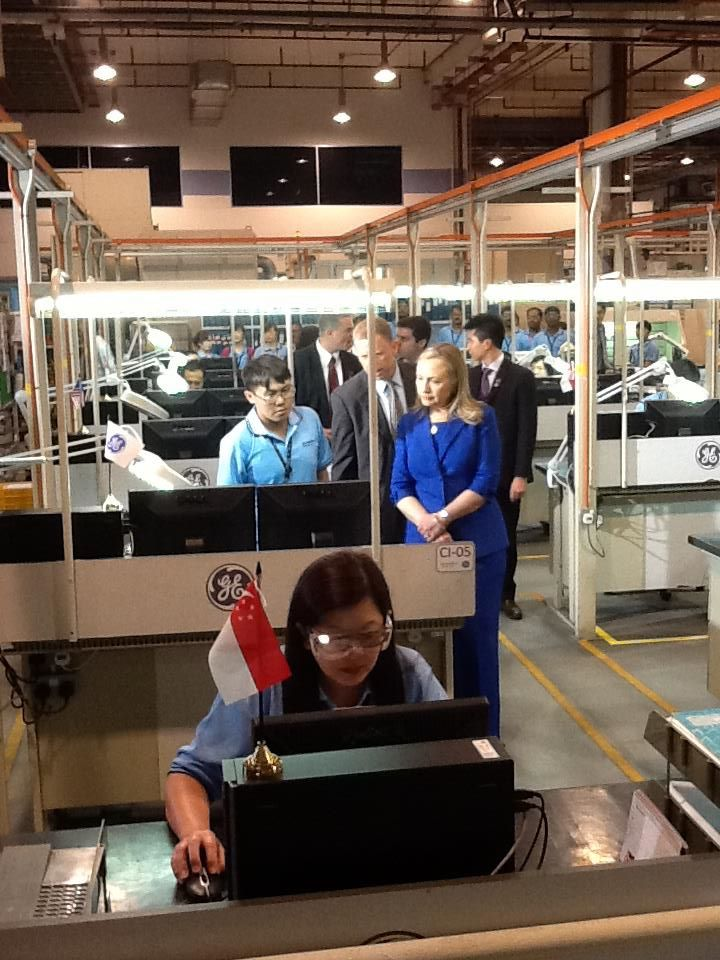 Secretary Clinton Meets With Employees from GE Aviation