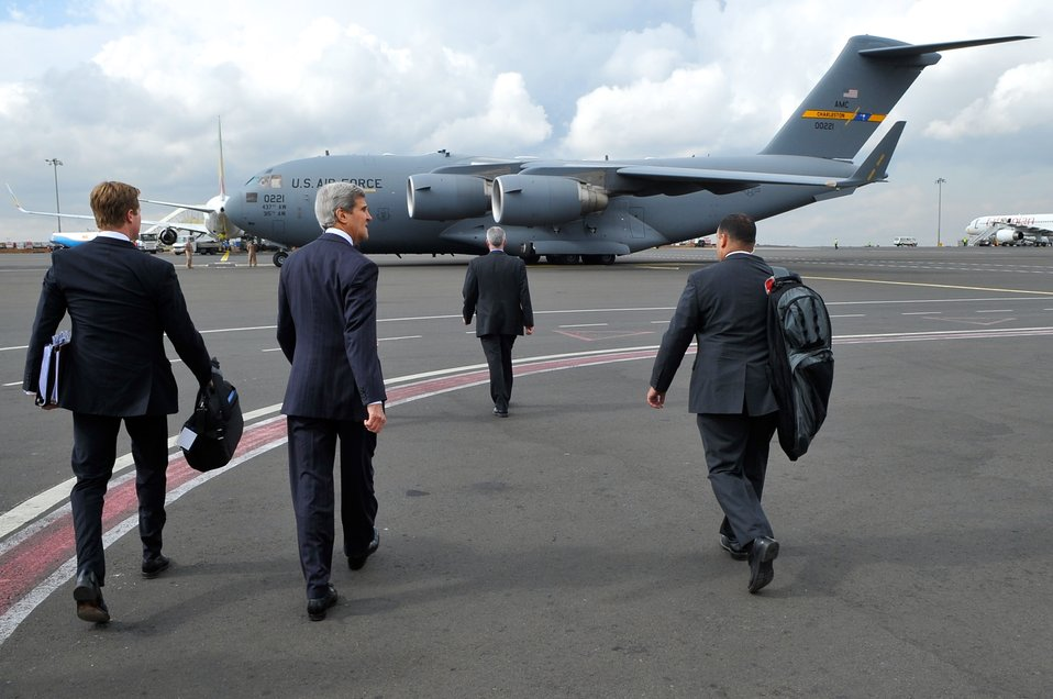 Secretary Kerry Approaches C-17 Flying Him from Ethiopia to South Sudan