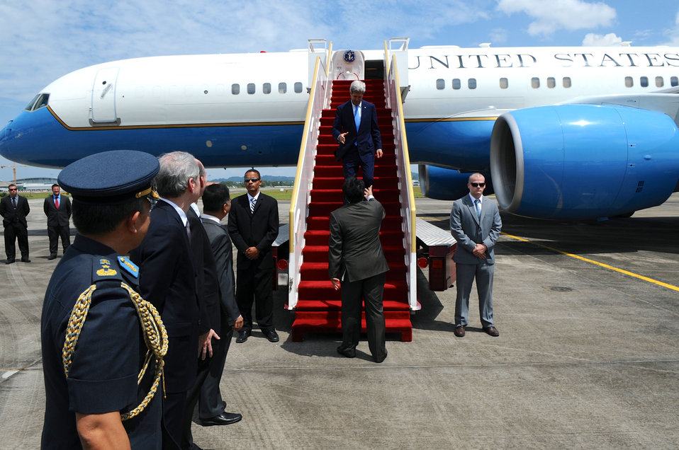 Secretary Kerry Arrives in Bandar Seri Begawan, Brunei