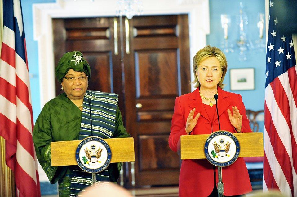 Secretary Clinton Meets With Liberian President
