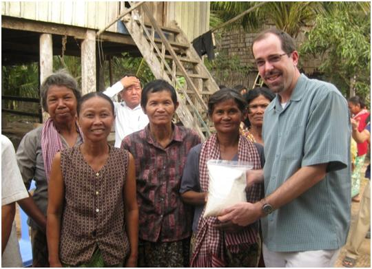 Cambodia Women Farmers Present a Gift to Chris Hegadorn