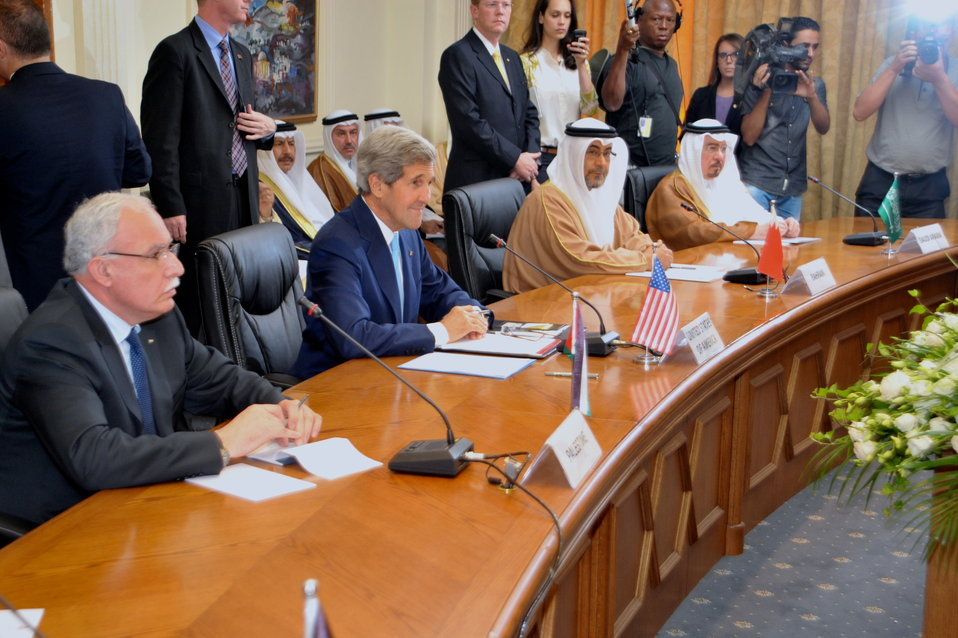 Secretary Kerry Meets With Arab League Members
