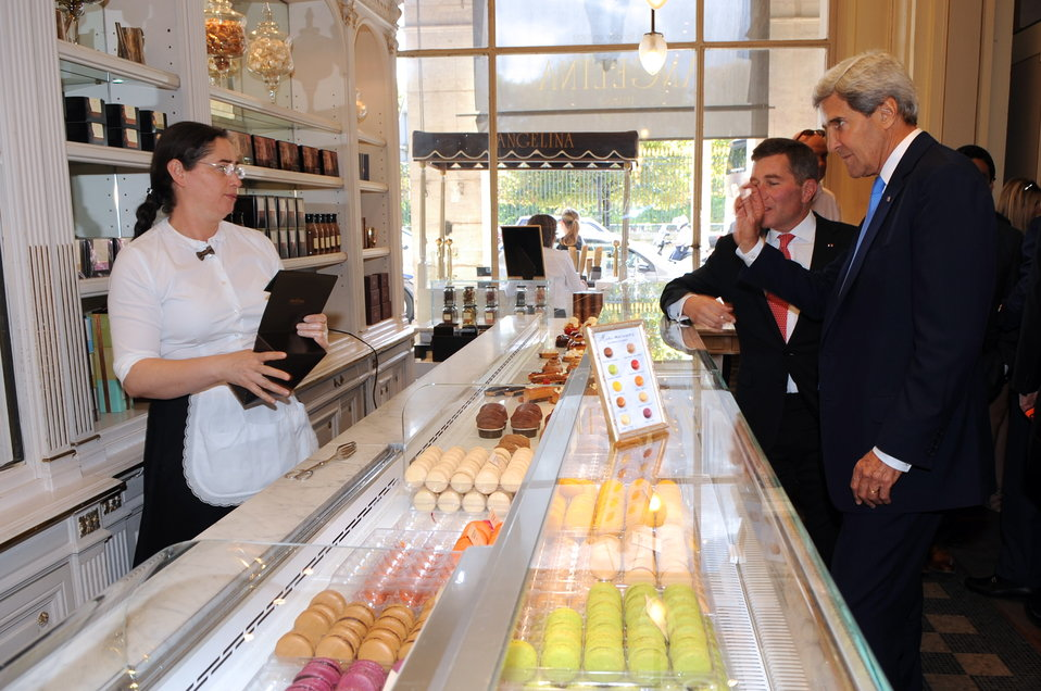Secretary Kerry Stops at a Parisian Pastry Shop
