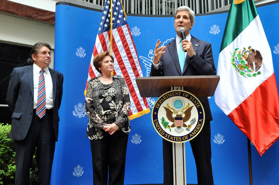 Secretary Kerry Salutes Two 42-Year Embassy Mexico City Employees