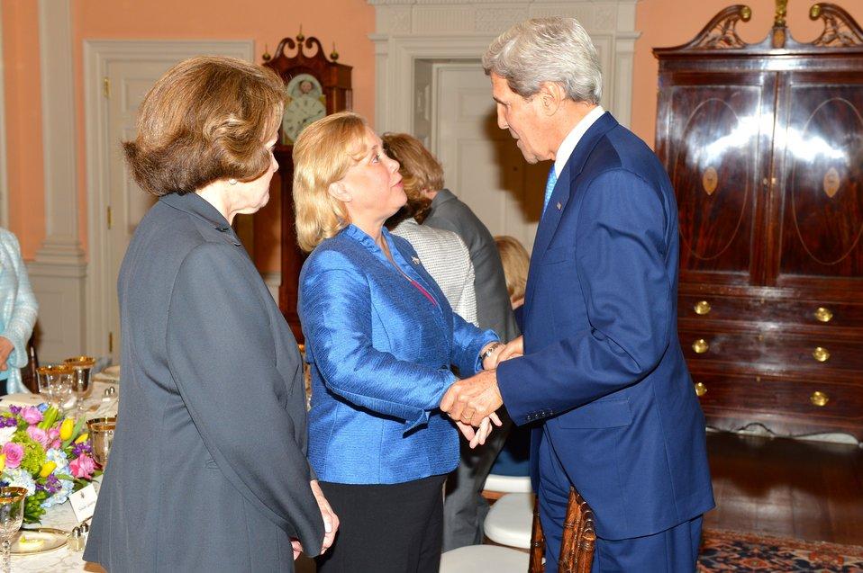 Secretary Kerry Greets Senator Landrieu