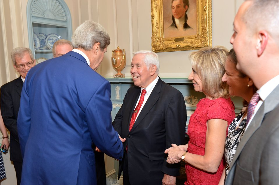 Secretary Kerry Welcomes Former Senator Lugar to Celebration of 90th Anniversary of U.S. Foreign Service