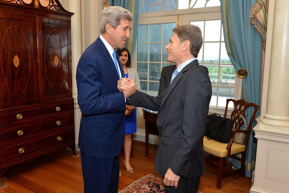 Secretary Kerry Greets Assistant Secretary Malinowski