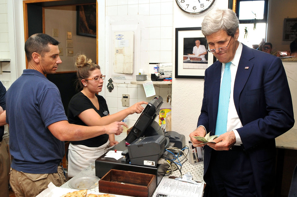 Secretary Kerry Pays For Pizza Order at Frank Pepe's in New Haven