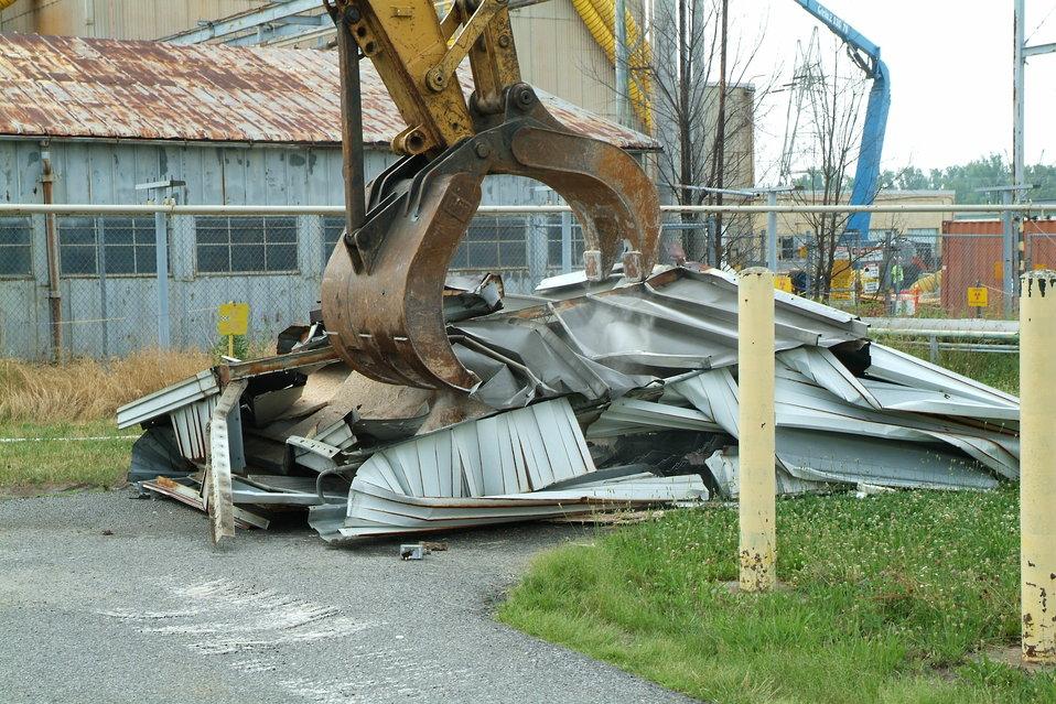 Power structure during demolition