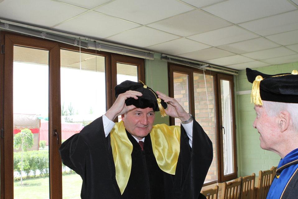 100526 AUAF Graduation 052