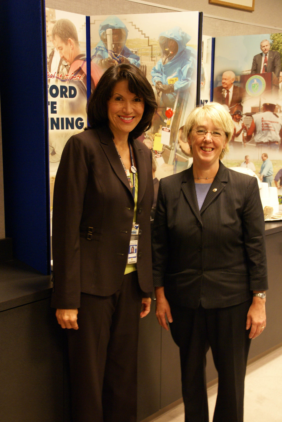 Former DOE ORP Manager Shirley Olinger with WA Senator Patty Murry 2008