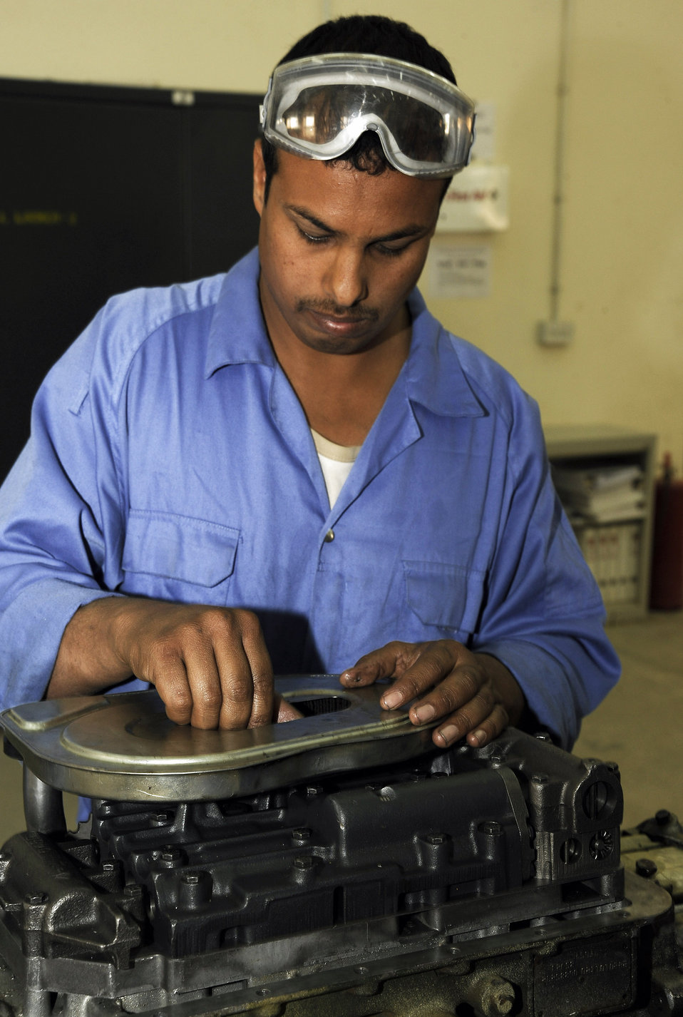 Airman tracks down parts for Iraqi maintenance depot