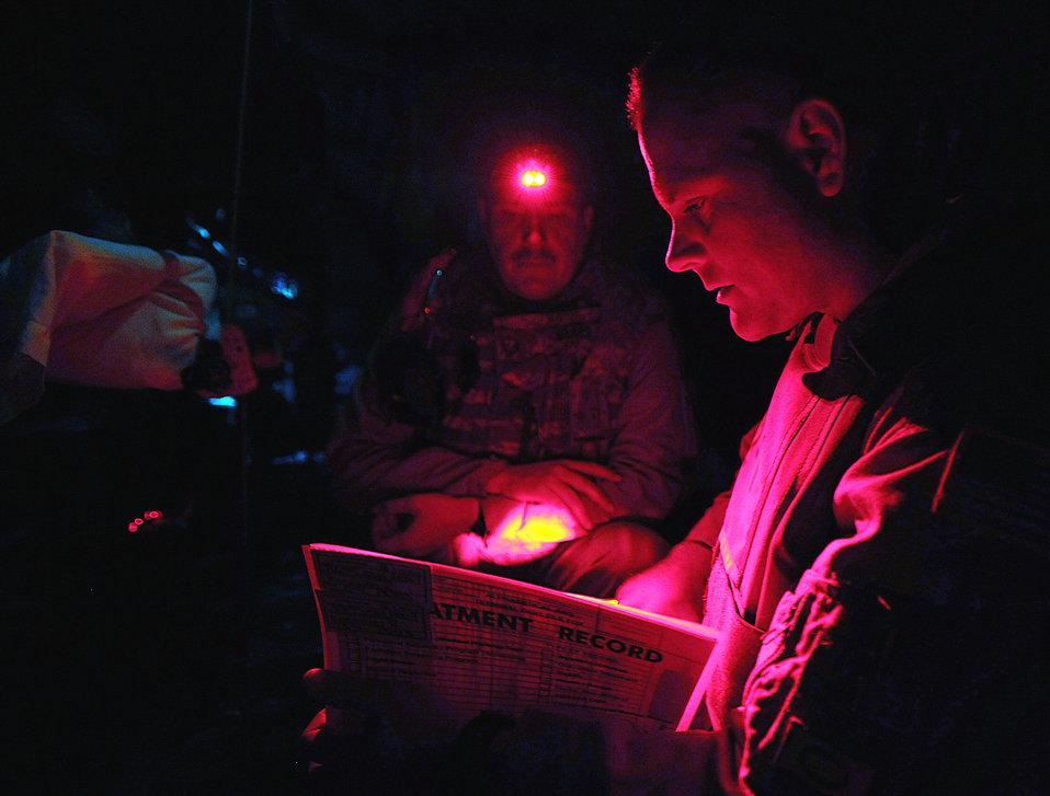 Iraqi doctors study American aeromedical evacuation program