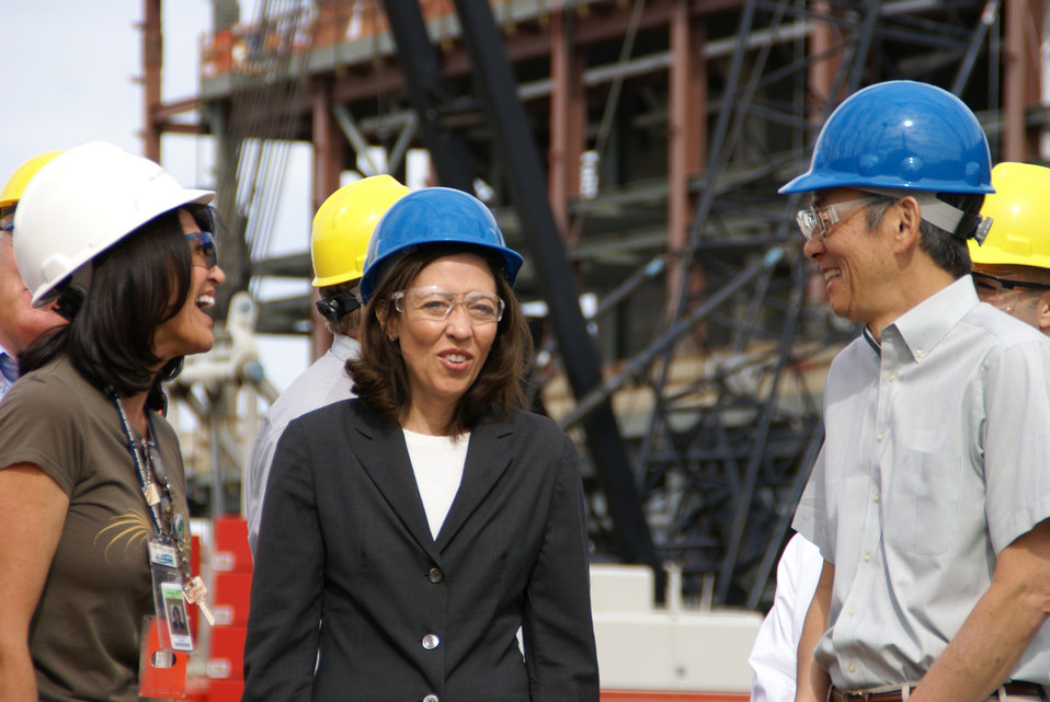 SECRETARY CHU VISIT TO VIT PLANT 2009 WITH PATTY MURRAY