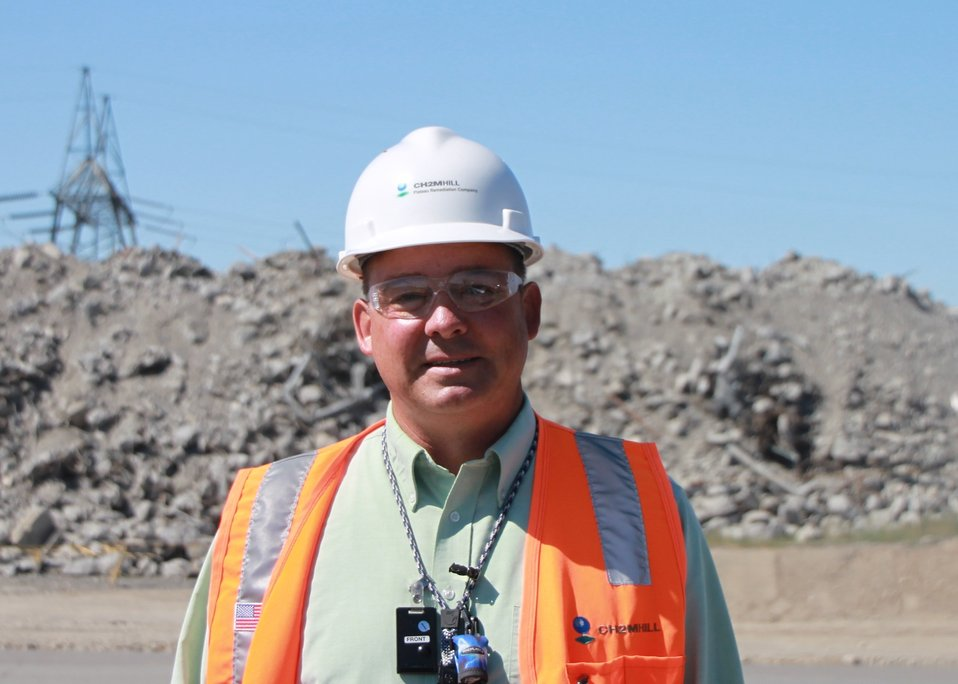 Recovery Act Opens Doors to Worker at Hanford Site
