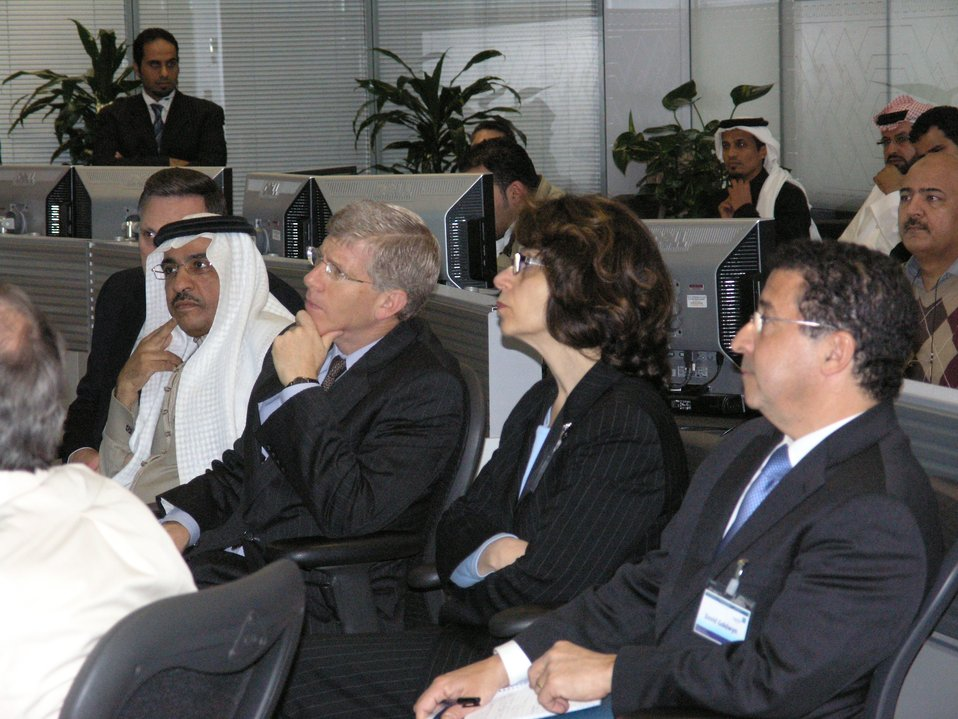 Deputy Secretary Poneman listens to officials at Saudi Aramco.