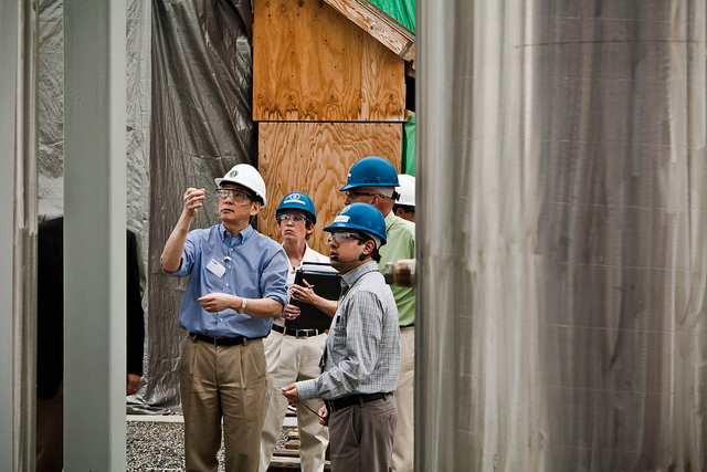 DOE Secretary Chu Tours Hanford's Large Scale Integrated Test Facility