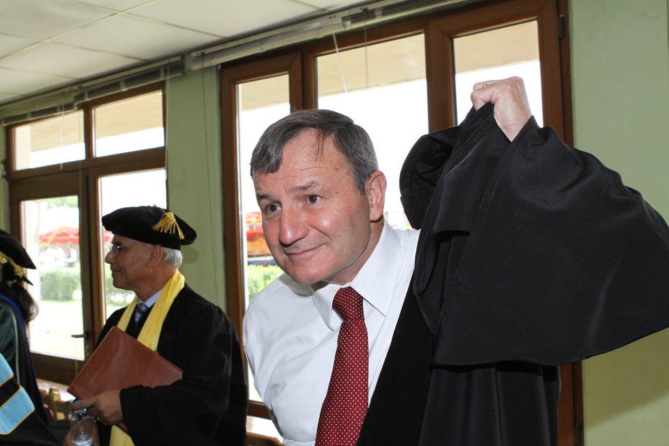 100526 AUAF Graduation 044