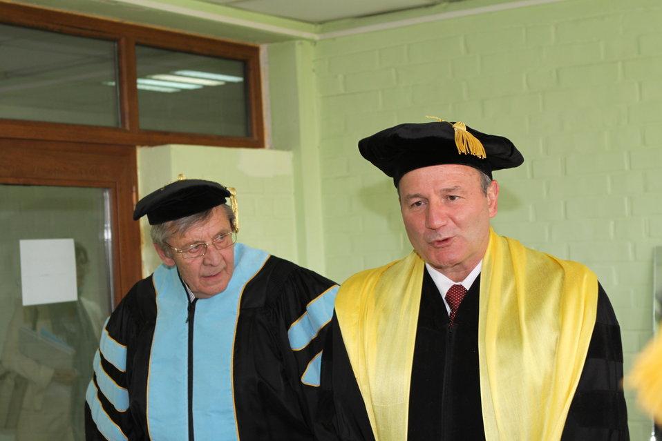 100526 AUAF Graduation 066