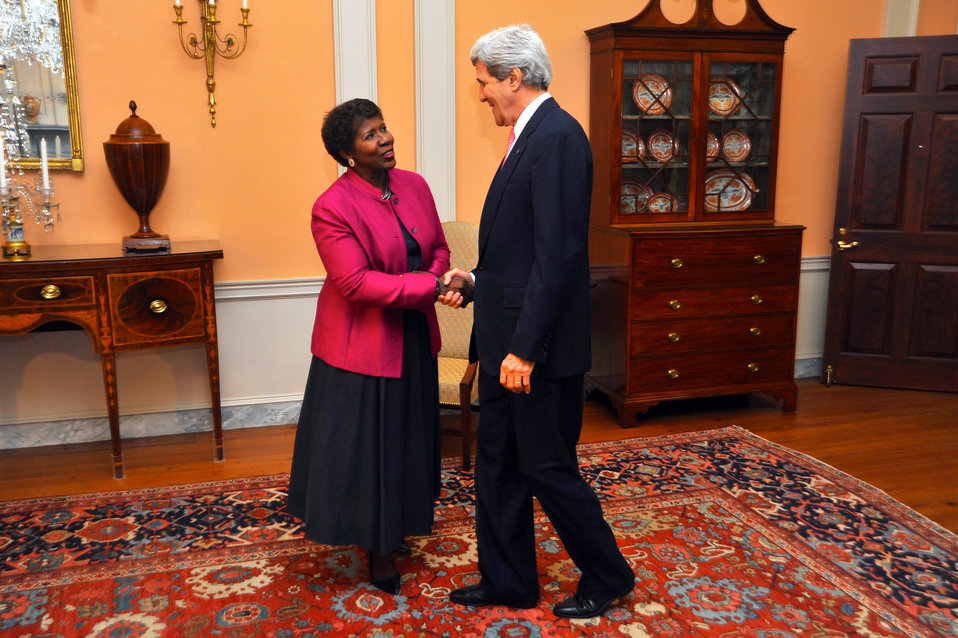 Secretary Kerry Greets PBS NewHour Host Ifill Before Policy Interview