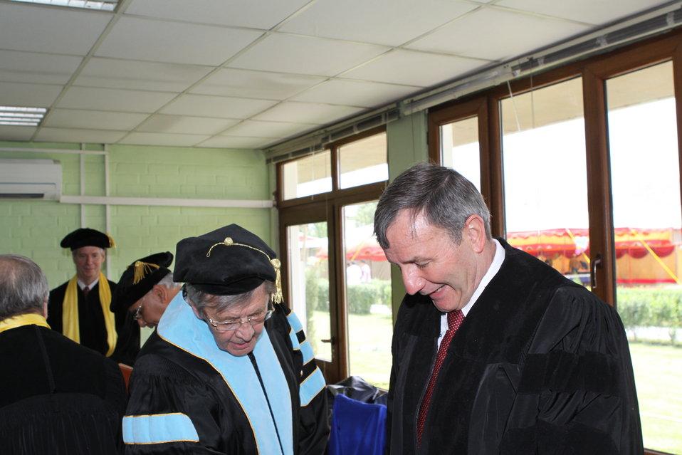 100526 AUAF Graduation 047