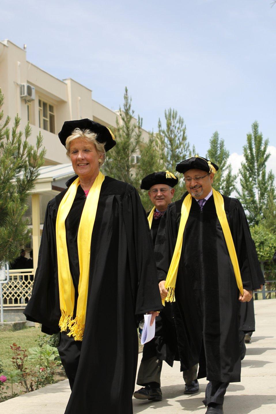 100526 AUAF Graduation 098