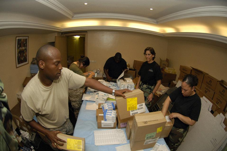 Pharmacist dispenses much-needed medicine for Malians
