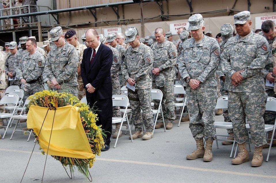Deployed servicemembers honor fallen heroes