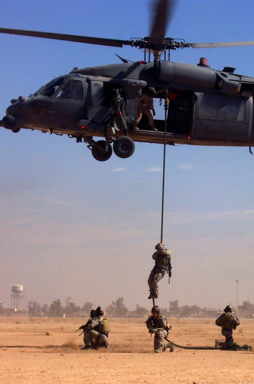 Balad Airmen rescue U.S. teachers in Iraq