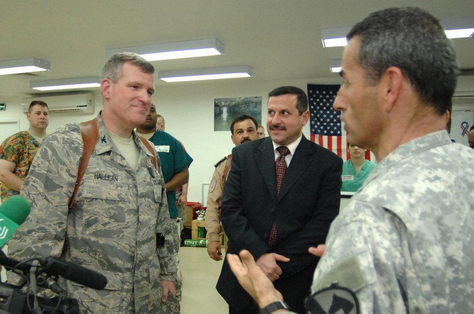 Iraqi leaders visit civilian IED victims at Air Force hospital