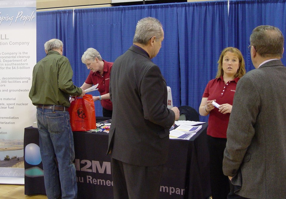 Contractor expand career outreach for Hanford Site
