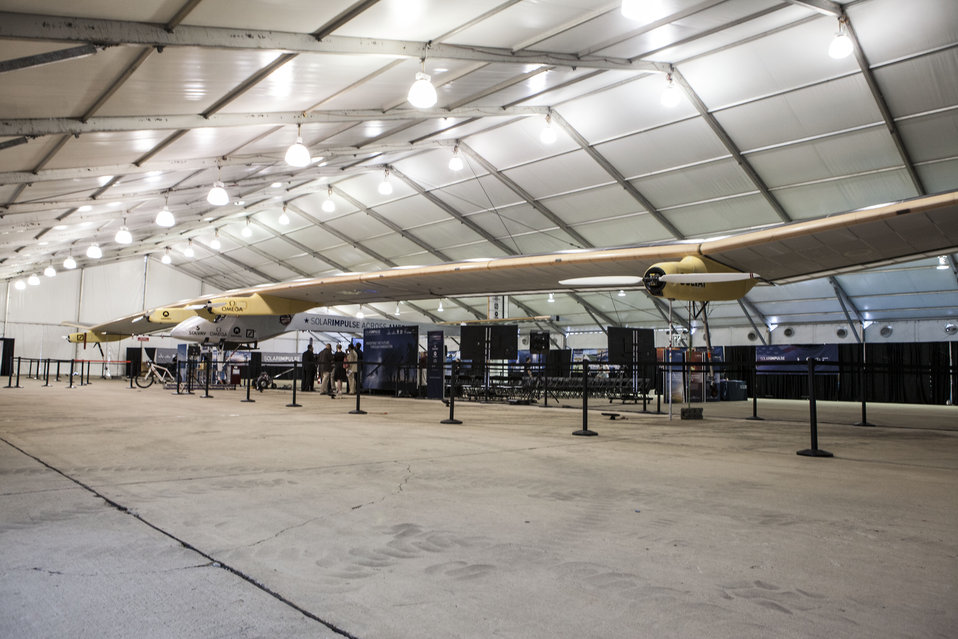 Solar Impulse plane lands in D.C.