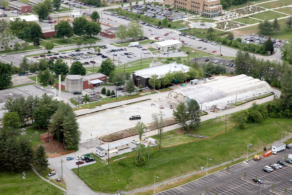 Demolition efforts under way at ORNL's 2000 Complex