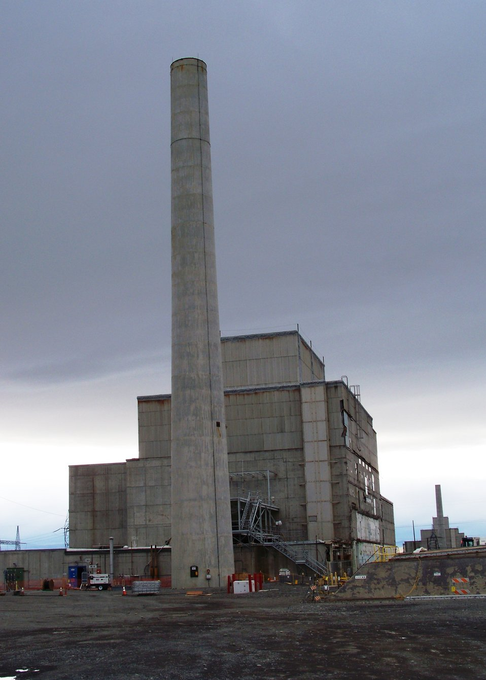 116KE reactor stack before demolition