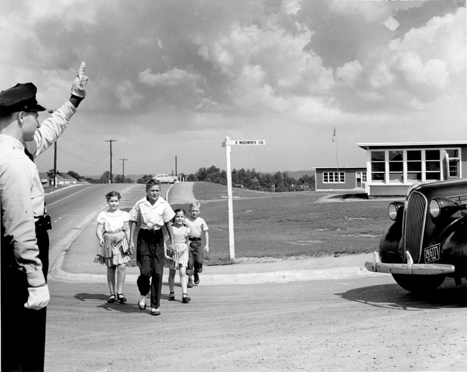 School Crossing at Highland View School 1947 Oak Ridge