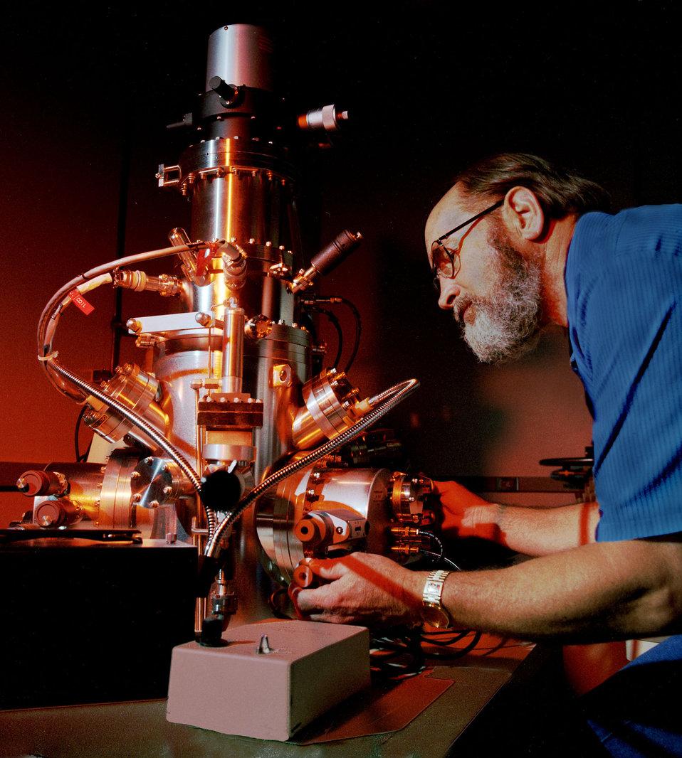 ORNL Electron Microscope