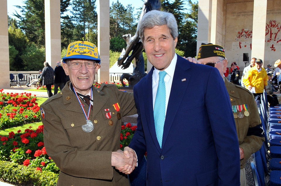 Secretary Kerry Meets D-Day Veteran Before 70th Anniversary Commemoration