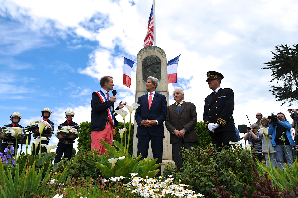 Mayor of Brittany Town Thanks Secretary Kerry, American Soldiers For Liberating Town at End of WWII